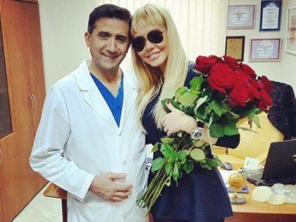 Маша Малиновская с пластическим хирургом Гайком Бабаяном