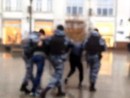 Задержание активистов «СтопХама» на Петровке