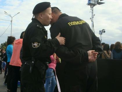 Потом Алижона из отделения полиции отправили в спецприёмник