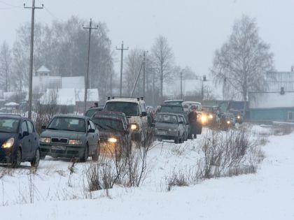 На помощь дальнобойщикам выехали 30 автомобилей