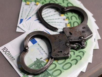 В 2013 году мужчина занял у коллеги 6 миллионов рублей