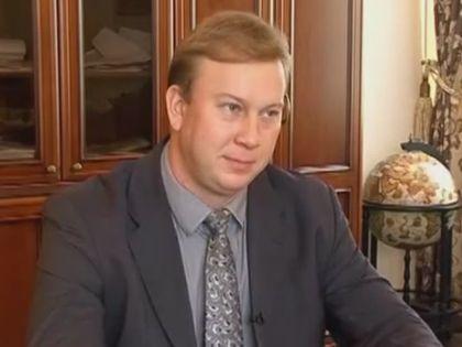 Плотников одолжил Lexus у депутата городского собрания