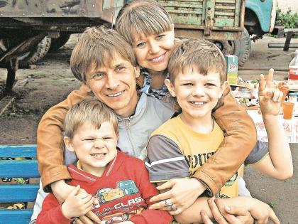 Виталий Смолянец в кругу семьи