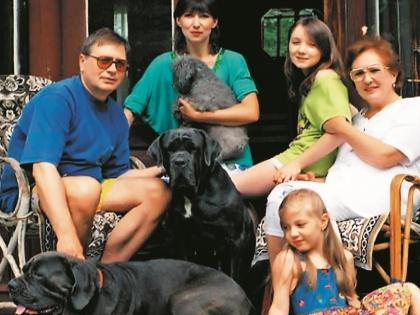 Валентин Смирнитский с третьей женой и ее семьей