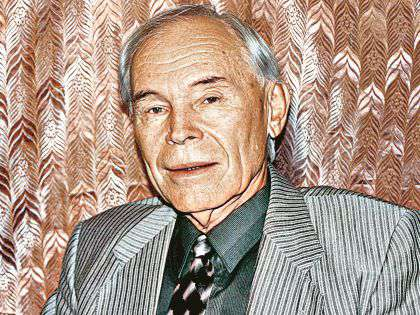 Евгений Тарасов