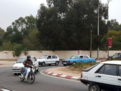Трафик на улицах марокканских городов достаточно напряженный