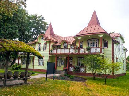 Типичная архитектура курорта Бирштонас