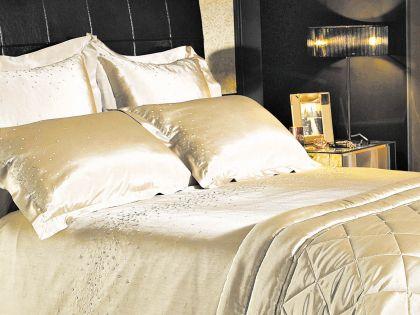 На таких постелях спят монархи и государственные мужи