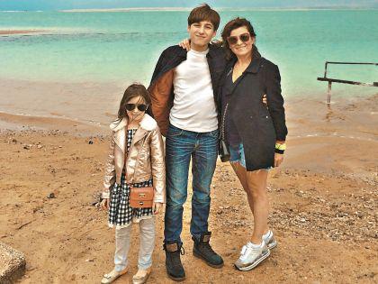 С детьми Борисом и Лолитой