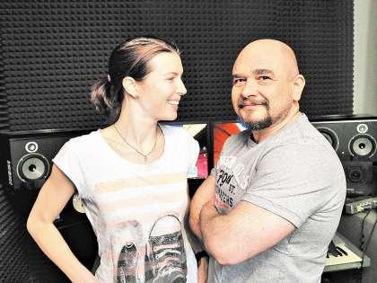 С женой Анастасией в домашней студии