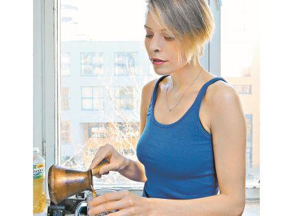 Лена живет на 35 тысяч рублей в месяц