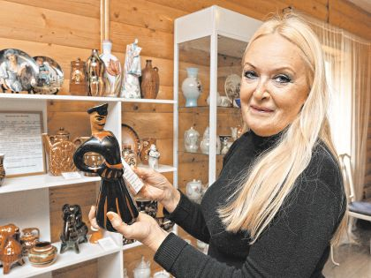 Марина Степанова живет в Москве, а ее коллекция керамики переехала под Ярославль