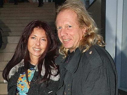 Крис Кельми с женой