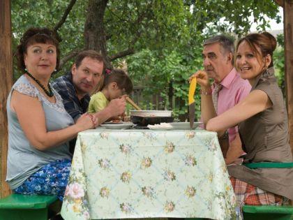 Кравченко и Артемьева в сериале «Сваты»