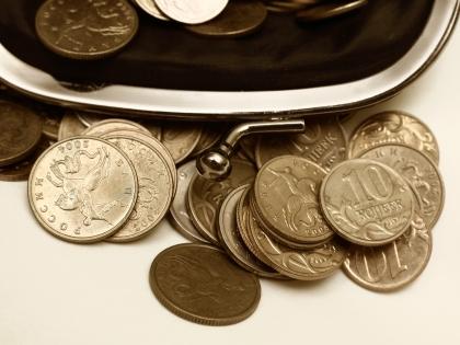 В некоторых регионах заработная плата составляет сущие копейки – порядка 7 тысяч рублей