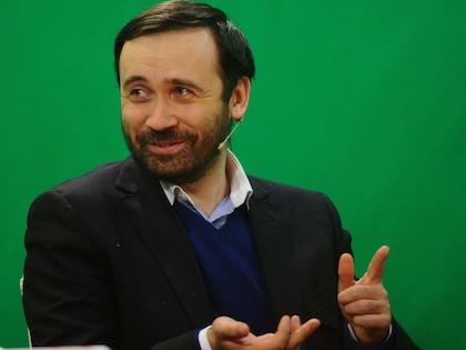 7 апреля Госдума лишила Пономарева депутатской неприкосновенности