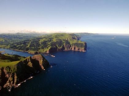 Япония хотела бы заключить мирный договор, решив при этом территориальный вопрос (на фото — Курильские острова)
