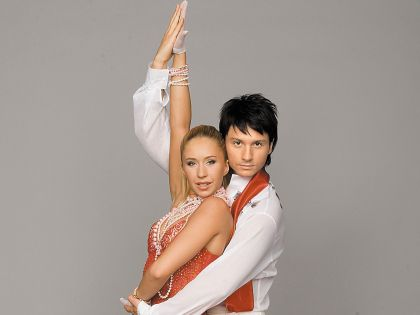 С певцом Сергеем Лазаревым фигуристка участвовала в шоу «Танцы на льду»