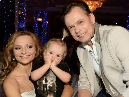 Владимир Левкин с женой и дочерью