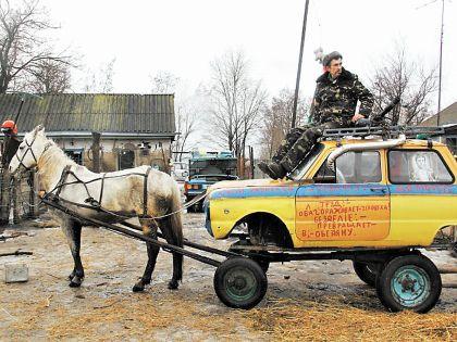 Анатолий Яцько со своим изобретением