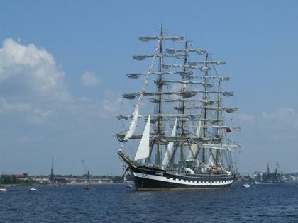 «Крузенштерн» прибыл в Рейкьявик 9 июня после плавания по Средиземному морю и Атлантическому океану