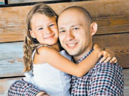 Алексей Лапшин с дочкой Софьей