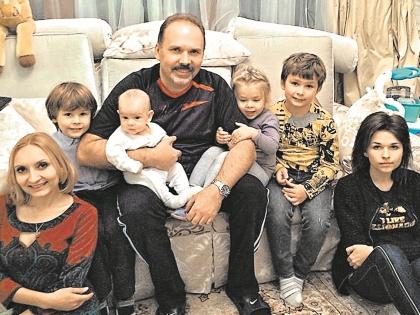 У Михаила Меня шестеро детей