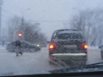Власти Москвы приведут в порядок дороги близ ТЦ вдоль МКАД