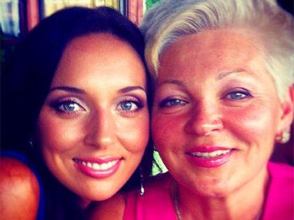 Алсу с мамой