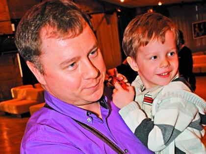Сын Никоненко пошел по стопам отца, занимается режиссурой. Внук Петр учится в первом классе