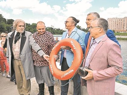 Тургенев, Герасим, Грымов и орловские чиновники со средством спасения Муму