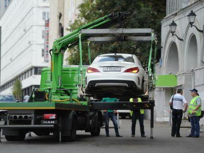 Депутатам не разрешили бесплатно парковаться у Госдумы