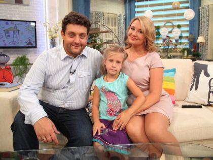 Михаил Полицеймако с женой и дочерью