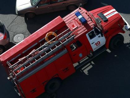 Прибывшие на место ЧП пожарные спасли двоих человек