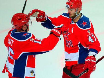 Джефф Плэтт (слева) и Александр Радулов