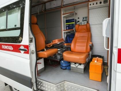 Мужчина госпитализтрован с ранениями плеча, живота и поясницы