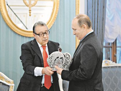 Подарок Хазанова Путину вызвал бурное обсуждение в блогосфере