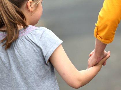 Родительская любовь важна для нормального развития мозга ребенка