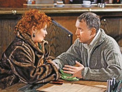 Зоя по сценарию была влюблена в героя Олега Алмазова