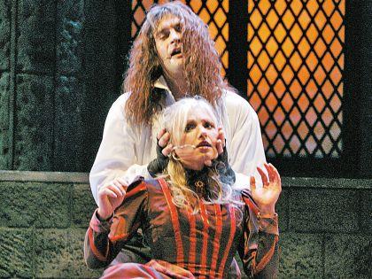 С Александром Домогаровым  на театральной сцене