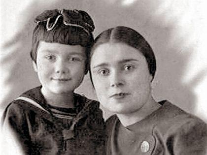 Нина и ее мама Анна Михайловна