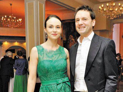 Замуж за петербургского актера Виктора Васильева Снаткина вышла в 2012 году