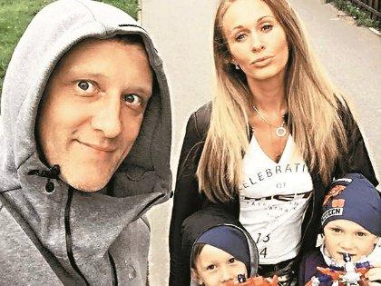 По словам актера, его супруга – щит их семьи