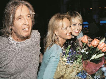 Вячеслав Малежик со Светланой Лазаревой и Катей Лель