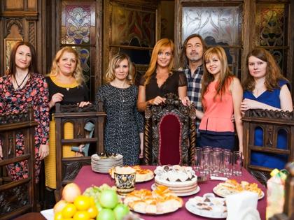 Невесты (слева направо): Ирина, Вера, Кристина, Татьяна, Кристина, Любовь