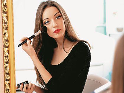 Откажитесь от агрессивного макияжа