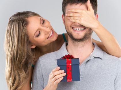 Забудьте о типичных подарках: бритвах, гелях для бритья и трусах