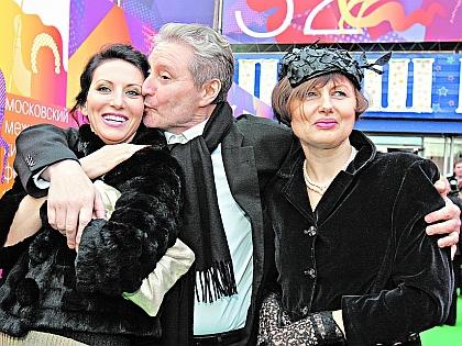 Вениамин Смехов с женой и дочерью