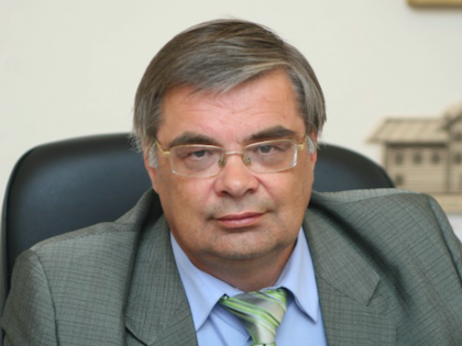 Официально Льва Вострякова уволили по причине достижения пенсионного возраста