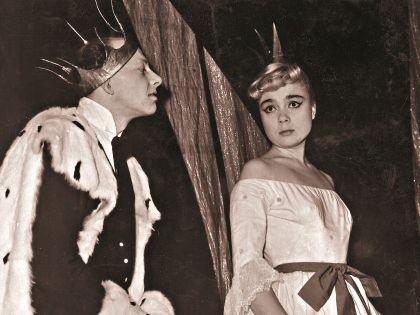 Евгений Евстигнеев и Нина Дорошина в спектакле «Голый король»